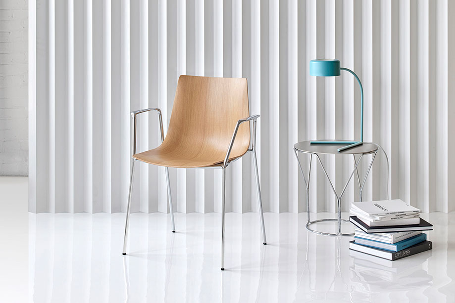 Trua designed by Tom Deacon for Keilhauer's 2016 spring collection